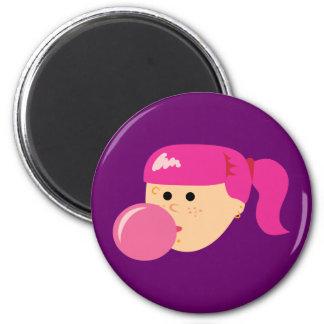 Chica rosado del chicle iman de frigorífico