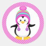 Chica rosado del pingüino del invierno del lunar etiqueta redonda
