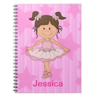 Chica rosado lindo del ballet en las estrellas y r libreta espiral