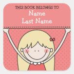 Chica rubio con Bookplates largos del pelo y de la Calcomanía Cuadrada Personalizada