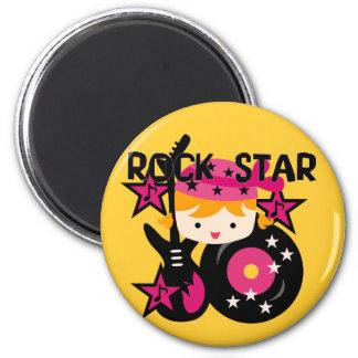 Chica rubio de la estrella del rock imán redondo 5 cm