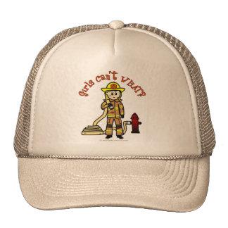 Chica rubio del bombero gorros