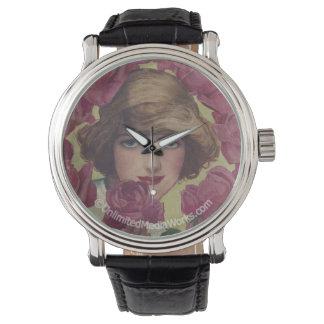 Chica subió vintage reloj de mano