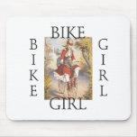 Chica SUPERIOR de la bici Tapete De Raton