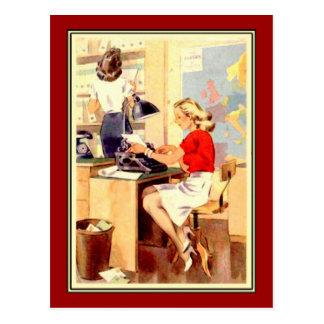 Chica trabajadora tarjeta postal