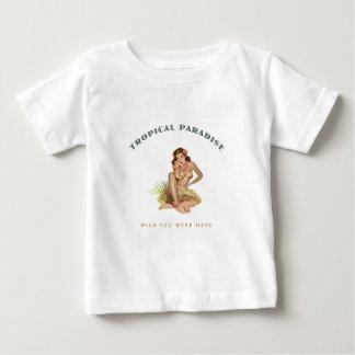Chica tropical de la isla del paraíso playera de bebé