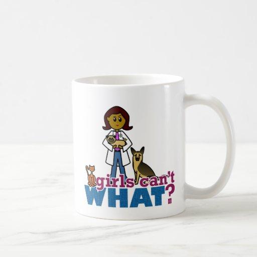 Chica veterinario taza