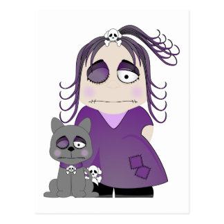 Chica y gato góticos remendados en púrpura postales