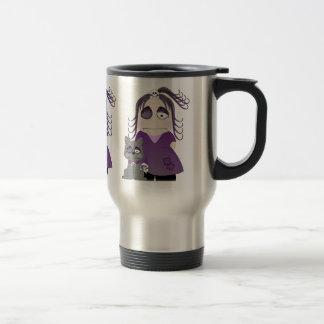 Chica y gato góticos remendados en púrpura taza de viaje de acero inoxidable