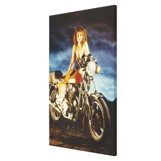Chica y motocicleta impresion de lienzo