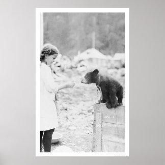 Chica y oso Seward, Alaska 1912 Impresiones