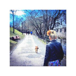 Chica y su perro impresiones en lona