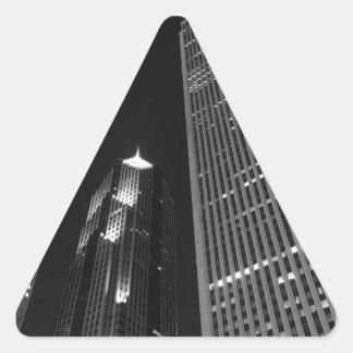 Chicago céntrica en la noche pegatina triangular