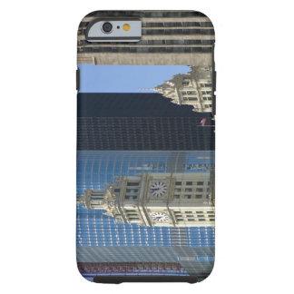 Chicago, edificio de Wrigley con el hotel del Funda De iPhone 6 Tough