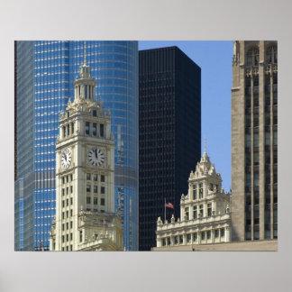 Chicago, edificio de Wrigley con el hotel del triu Póster