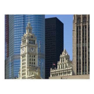 Chicago edificio de Wrigley con el hotel del triu Postal