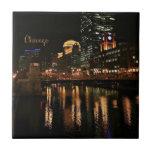 Chicago en el paisaje urbano de la noche azulejo cuadrado pequeño