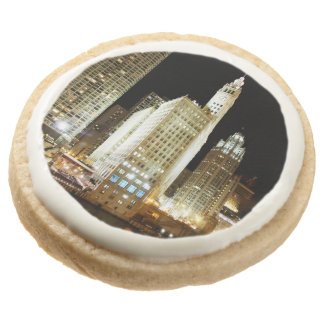 Chicago famous landmark at night round shortbread cookie