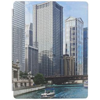 Chicago IL - Chicago River Near Wabash Ave. Bridge iPad Cover