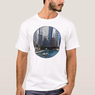 Chicago IL - Chicago River Near Wabash Ave. Bridge T-Shirt