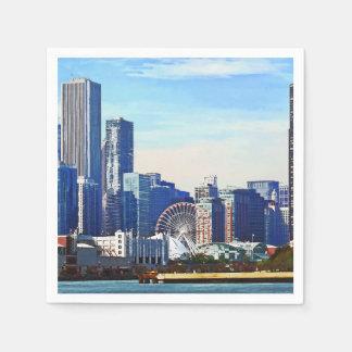 Chicago IL - Horizonte de Chicago y embarcadero de Servilletas Desechables