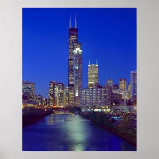 Chicago, Illinois, horizonte en la noche con Chica Póster