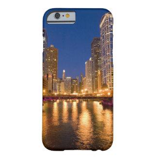 Chicago Illinois horizonte y el río Chicago en