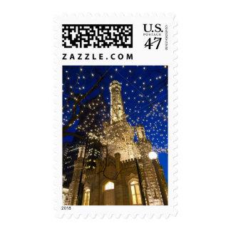Chicago, Illinois, torre de agua vieja con día de Sellos