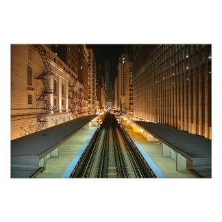 """Chicago """"L"""" estación en la noche Fotografía"""