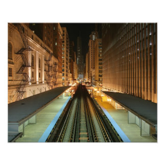 """Chicago """"L"""" estación en la noche Fotografías"""
