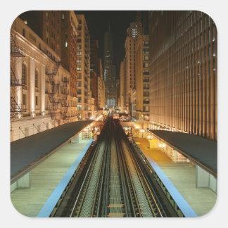 """Chicago """"L"""" estación en la noche Pegatina Cuadrada"""