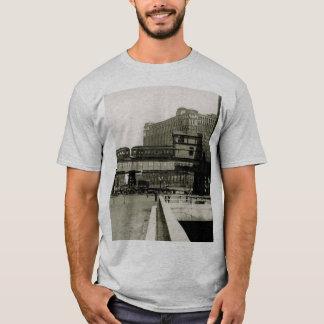 CHICAGO MERCHANDISE MART TROLLEY TRAIN WATERCOLOR T-Shirt