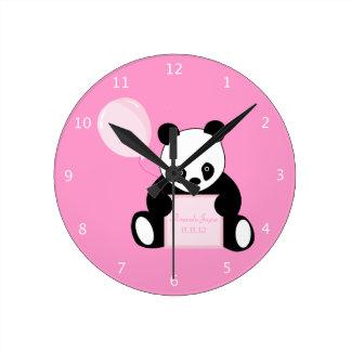 Chicas de encargo nombre del oso de panda y fecha  reloj redondo mediano