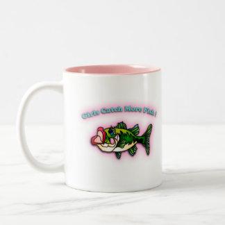 Chicas de la pesca taza de café