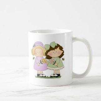 Chicas de los amigos de la flor taza de café