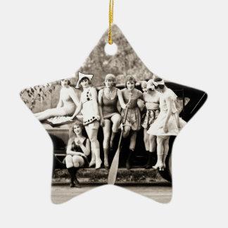 Chicas de Mack Sennett que bañan el vintage del Adorno Navideño De Cerámica En Forma De Estrella