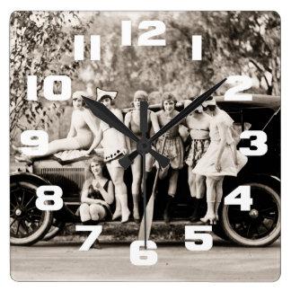 Chicas de Mack Sennett que bañan el vintage del Reloj Cuadrado