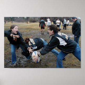 Chicas del rugbi de Framingham Póster