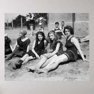 Chicas en la playa, 1900s tempranos impresiones