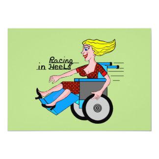 """Chicas en sillas de ruedas de la necesidad de los invitación 5"""" x 7"""""""