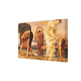 Chicas griegos que cogen los guijarros de señor lona estirada galerías