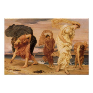 Chicas griegos que cogen los guijarros por el mar