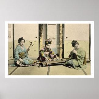 """Chicas japoneses que juegan la flauta, el """"koto"""" y póster"""