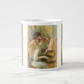 Chicas jóvenes en el piano por Renoir, bella arte Taza Grande