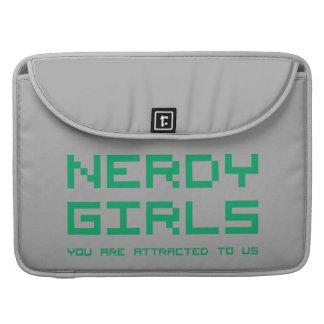 Chicas Nerdy 2 Fundas Macbook Pro