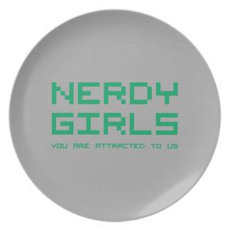 Chicas Nerdy 2 Plato Para Fiesta