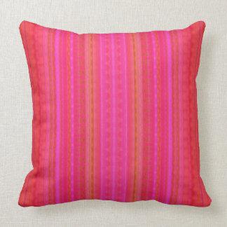 Chicas ondulados rosados y anaranjados de encaje o cojín decorativo