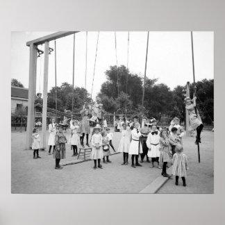 Chicas Playground, 1905 Poster