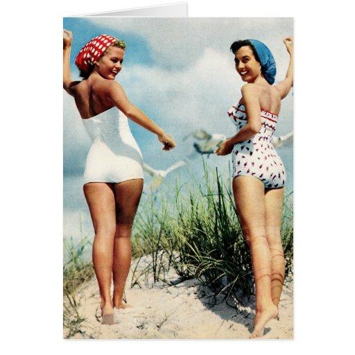 Chicas retros de la playa de las mujeres 60s del tarjeta de felicitación