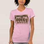 Chicas retros de los guardapolvos de los vaqueros camiseta